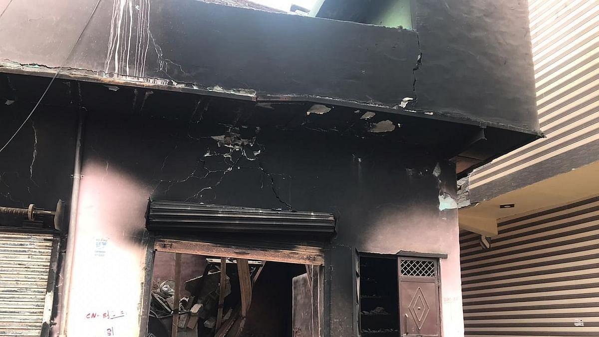 दिल्ली दंगों की दर्द भरी दास्तां: लूट के बाद दंगाइयों ने घर को लगा दी थी आग, ये देख हार्ट अटैक से गई जान