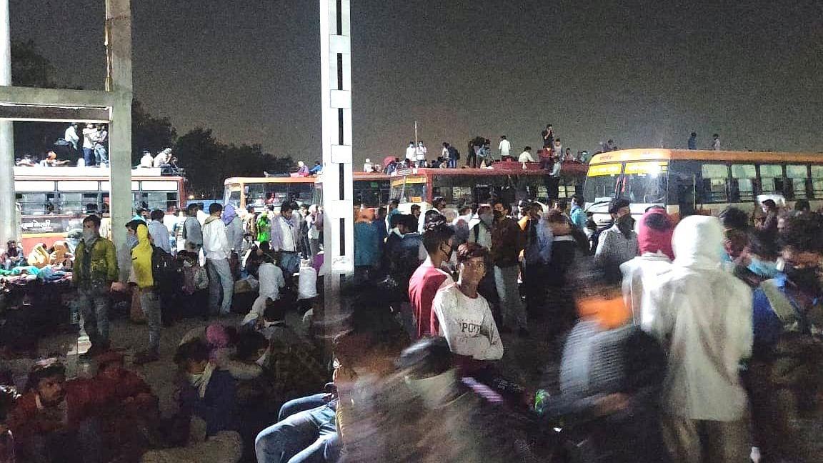 बड़ी खबर LIVE:  मजदूरों के पलायन पर प्रियंका का केंद्र सरकार पर वार, कहा- प्रजा करे हाहाकार, जागो हे सरकार