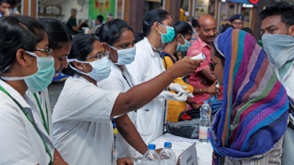 झारखंड में कोरोना वायरस के खिलाफ जंग में मिल रहा 'सखियों' का साथ, सतर्क है सरकार, उठाए जा रहे बड़े कदम