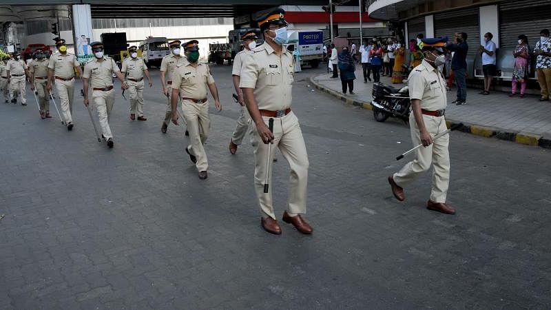 महाराष्ट्र में कोरोना के साथ फेक न्यूज-हेट स्पीच के खिलाफ भी मुहिम, अफवाह फैलाने वालों पर पुलिस का शिकंजा