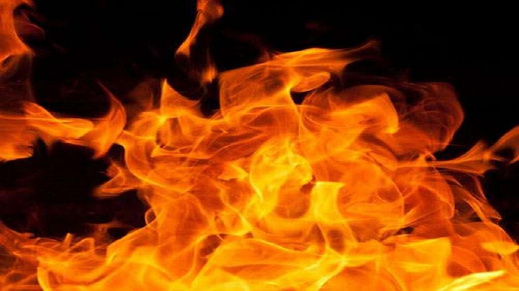 यूपी: लॉकडाउन के बीच हादसे से कोहराम, मासूम भाई-बहन की जिंदा जलकर मौत, खेल-खेल में झोपड़ी में लगी आग