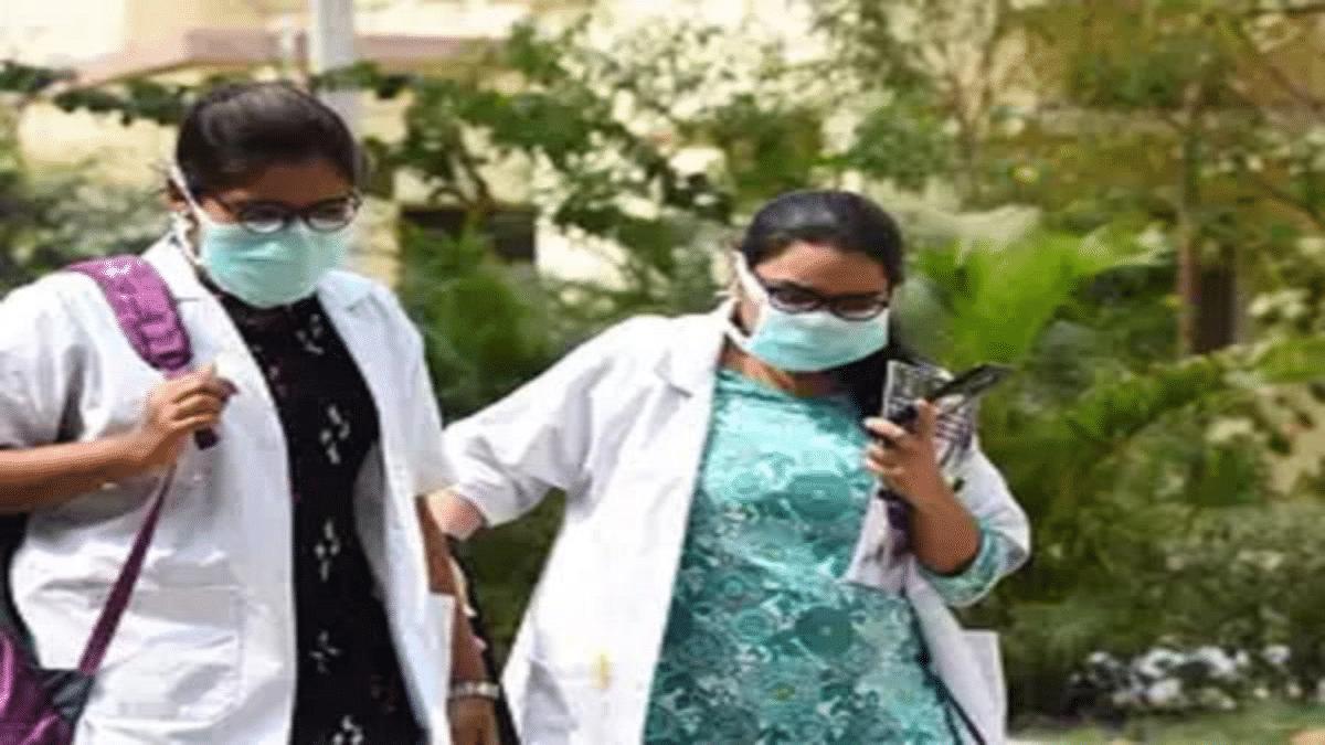 इंदौर में सर्वे करने पहुंची स्वास्थ्यकर्मियों की टीम पर चाकू से हमला, शिक्षिका को  मारा थप्पड़