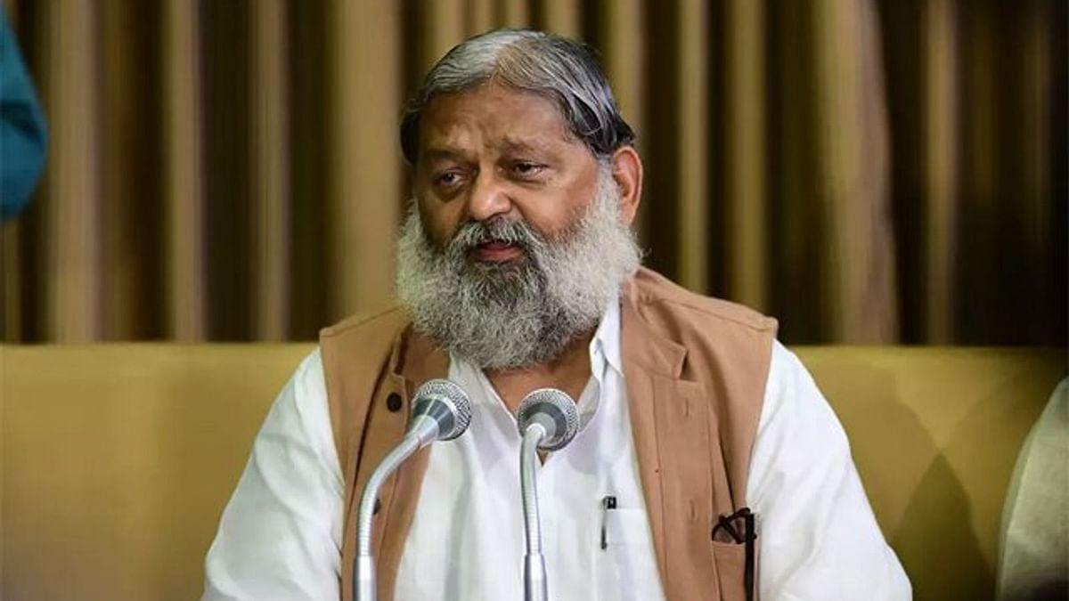 कोरोना संकट पर सियासत! BJP नेता ने कहा- दिल्ली से हरियाणा में फैल रहा कोरोना, कर्मचारियों को लेकर कही बड़ी बात