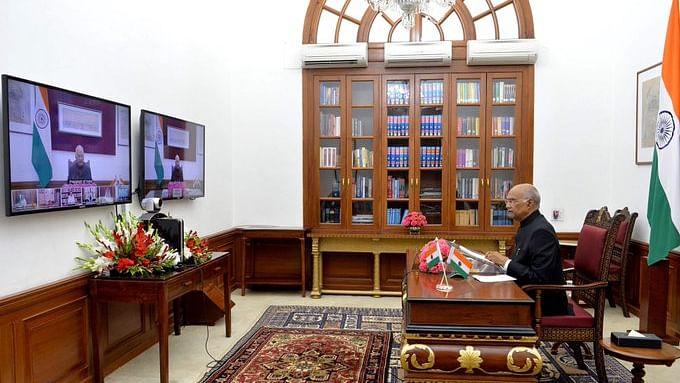 राष्ट्रपति ने वीडियो कॉन्फ्रेंसिंग के जरिए राज्यपालों से कहा, देश में कोरोना वायरस रोकने के लिए तेज करें प्रयास