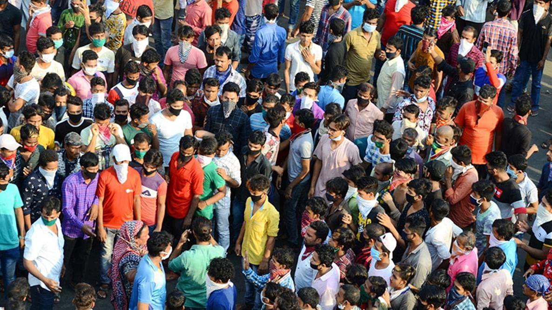 मुंबई में प्रवासी मजदूरों को भड़काने वाला गिरफ्तार, 'घर चलो' कैंपेन से फैलाई अफवाह, मराठी चैनल की खबर ने भी उकसाया
