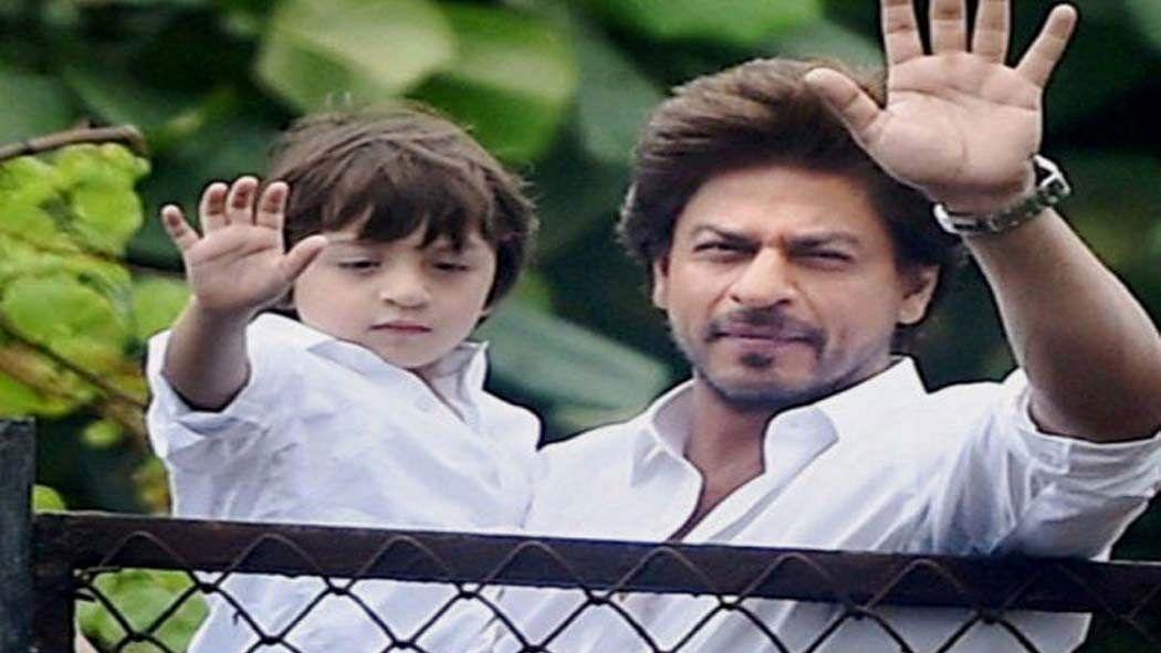 सिनेजीवन: शाहरुख के 6 साल के बेटे के लिए ट्विटर पर आया शादी का रिश्ता और BB14 में होगी कॉमनर्स की एंट्री!