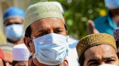 कोरोना वायरस से कैसे लड़ें मुसलमान? दो धड़ों में बंटी राय, सामने आई धार्मिक संस्थाओं की प्रतिक्रिया