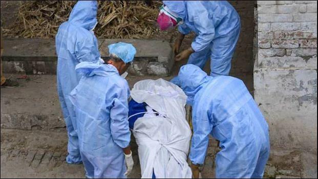कोरोना से मरने वालों पर दारुल उलूम का फतवा, मृतक शरीर अछूत नहीं, पूरे रिवाज से कब्रिस्तान में करें दफन