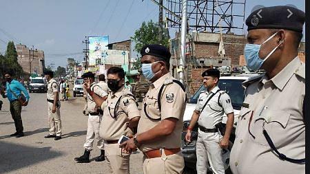 नीतीश सरकार ने लॉकडाउन में BJP विधायक को पास जारी करने के मामले में SDO को बनाया 'बलि का बकरा', किया निलंबित