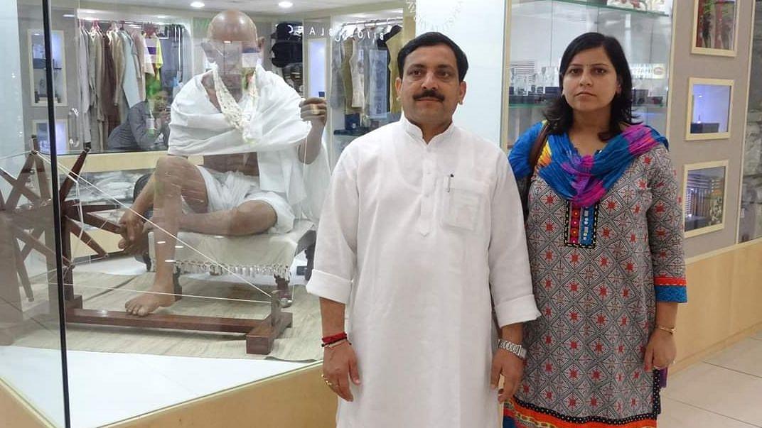 आखिर कोरोना भारत में मुसलमान हो ही गया, मेरठ में घर के बाहर छींकते शख्स ने टोकने पर कहा- मैं तो हिंदू हूं!