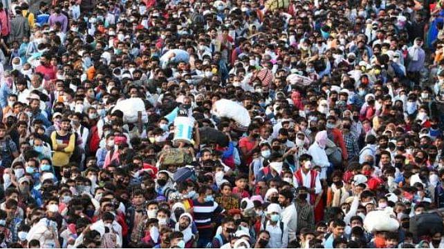 मृणाल पाण्डे का लेखः मजदूर दिवस नहीं, मजबूर दिवस है यह