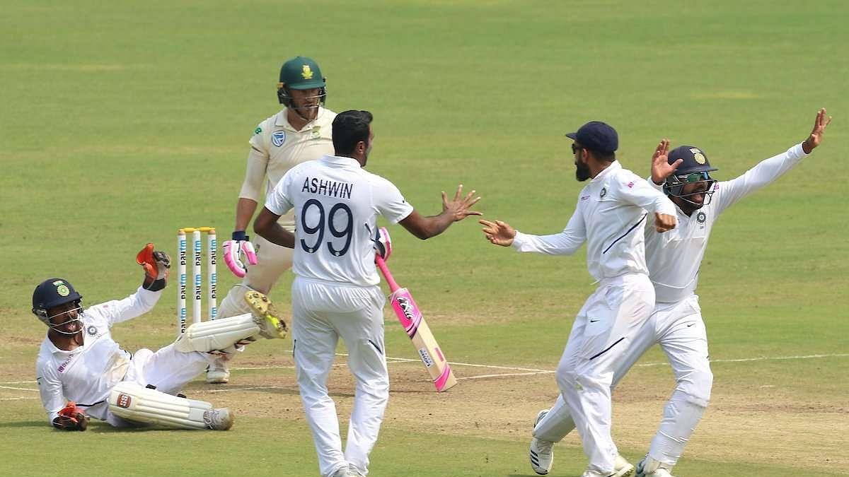खेल की 5 बड़ी खबरें: लॉकडाउन में टीम इंडिया के इस खिलाड़ी के घर लूट की कोशिश और पाक की पूर्व कप्तान ने लिया संन्यास