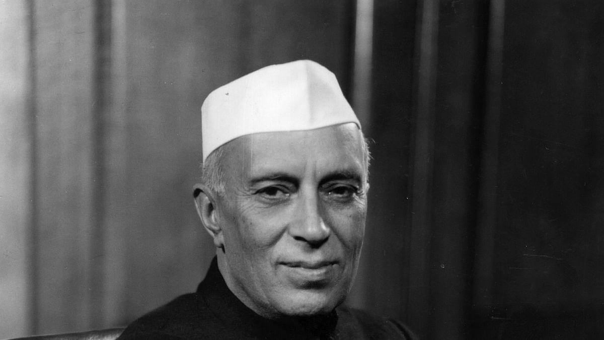 नेहरू की विरासत से खौफ में रहता है संघ, बीजेपी को भी पता है कि हिंदुत्व का उसका विचार सिर्फ मुखौटा
