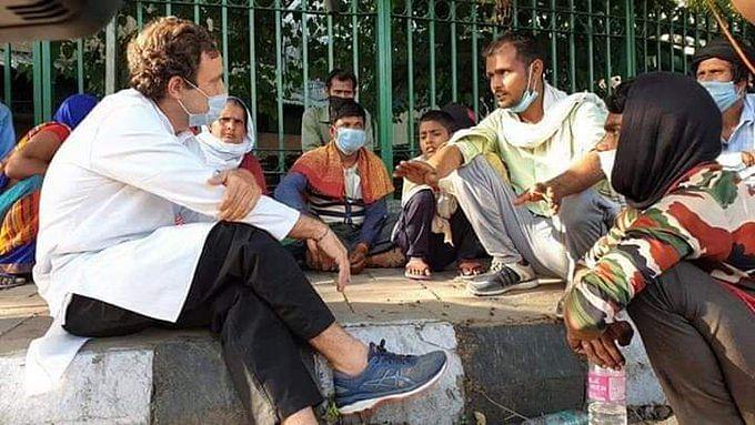 दिल्ली की सड़कों पर उतरे राहुल गांधी, बेहाल प्रवासी मजदूरों से जाना उनका हाल, गाड़ी से भिजवाया घर