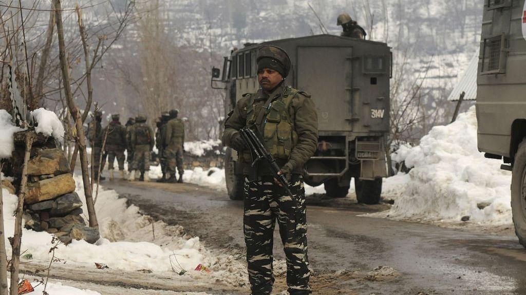 ऑपरेशन ऑलआउट! घाटी में सेना और आतंकियों के बीच मुठभेड़, दो आंतकी ढेर, एक जवान भी शहीद