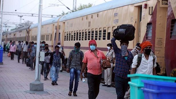 'श्रमिक ट्रेनों' में कई यात्रियों की मौत की खबर के बाद हरकत में रेल मंत्रालय, इन लोगों को यात्रा करने से किया मना