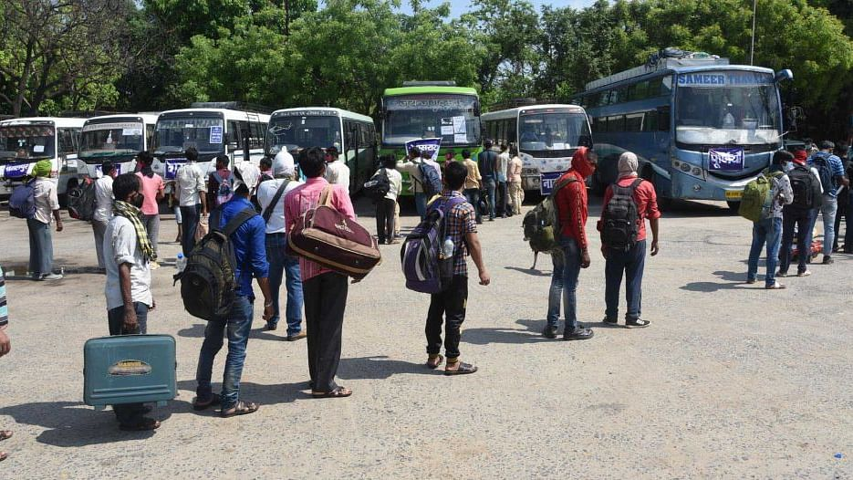 कोरोना संकट और प्रवासी बिहारी: आखिर क्यों बिहार की 10 फीसदी आबादी अपमान झेलने को अभिशप्त है!