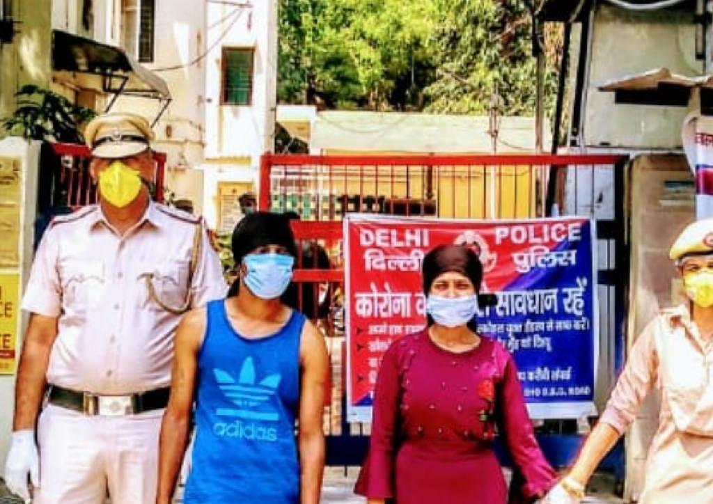 लॉकडाउन में कत्ल, लूटपाट से लेकर तस्करी तक में शामिल हैं बंटी-बबली, पीछे-पीछे दिल्ली पुलिस