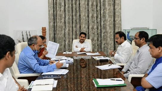 बड़ी खबर LIVE: आंध्र प्रदेश के सीएमओ ने खड़े किए हाथ, सीएम को लिखा- कोरोना खत्म नहीं हो सकता, साथ जीना होगा