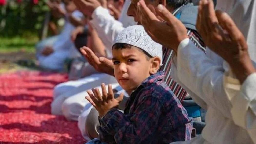 नवजीवन बुलेटिन: लॉकडाउन के बीच देशभर में मनाई जा रही है ईद और 24 घंटे में कोरोना के फिर रिकॉर्ड मामले