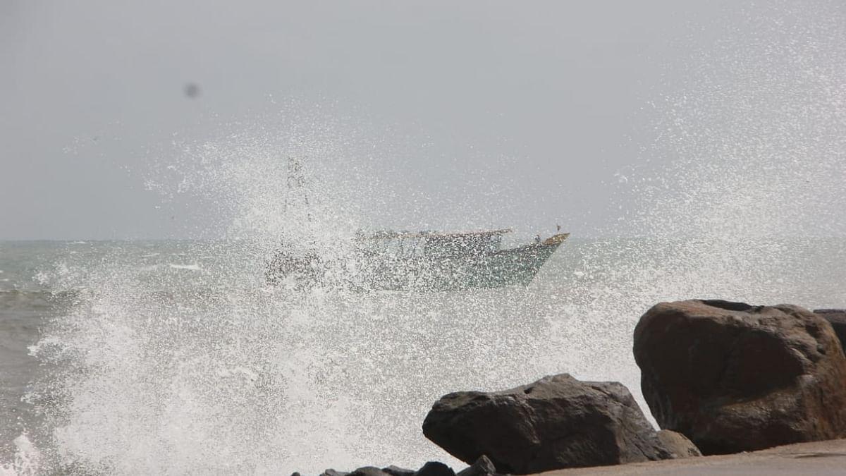 बंगाल की खाड़ी में 12 घंटों में चक्रवाती तूफान की आशंका, दिल्ली के कुछ हिस्सों में 17 मई शाम को होगी बारिश!