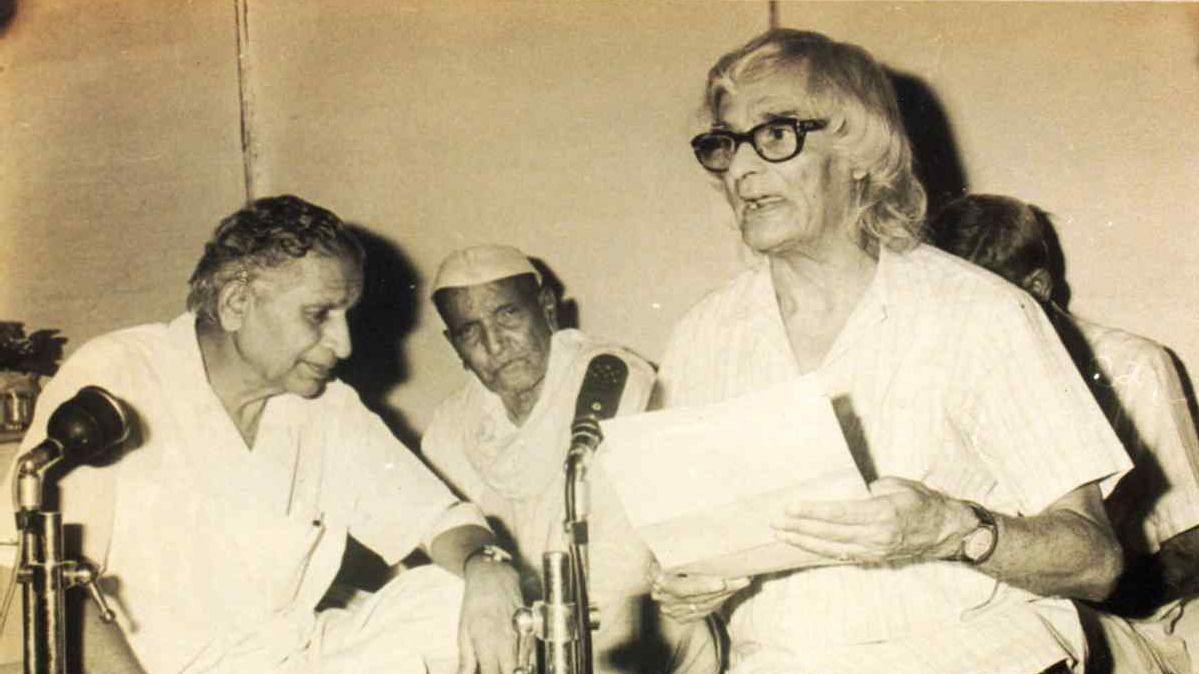 जन्मदिन विशेष: सौंदर्य के अप्रतिम कवि सुमित्रानंदन पंत, जिन्हें प्रकृति की संतान कहा जाता है