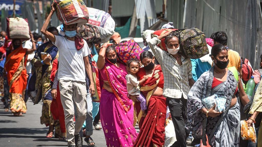 प्रवासी मज़दूरों के लिए केंद्र-राज्य सरकारों के उपाय नाकाफी और खामियों वाले, तुरंत उठाए जाएं कदम: सुप्रीम कोर्ट