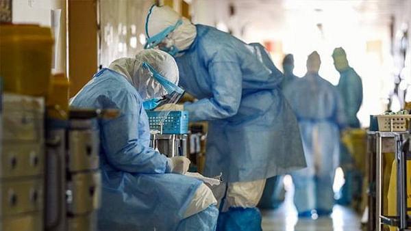 कोरोना: दिल्ली एम्स के मेडिसिन विभाग के पूर्व HOD की मौत, RML अस्पताल के डीन हुए संक्रमित