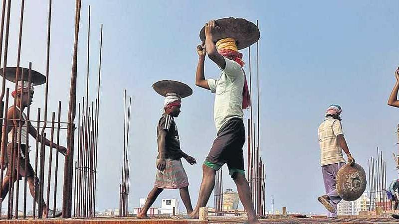 एमपी, यूपी के बाद गुजरात ने भी किया मजदूरों के अधिकारों पर वार,  8 पार्टियों ने राष्ट्रपति को लिखा पत्र