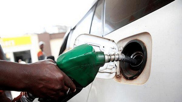 देश की जनता पर तेल की मार जारी, लगातार 13वें दिन बढ़े पेट्रोल-डीजल के दाम, जानिए क्या हैं नया रेट?
