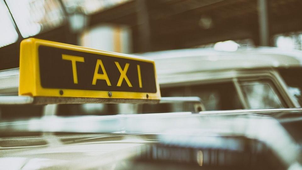 दिल्ली के होटलों के बाद टैक्सियों में भी चीनी नागरिकों की नो इंट्री, संगठन ने नहीं बिठाने का लिया फैसला