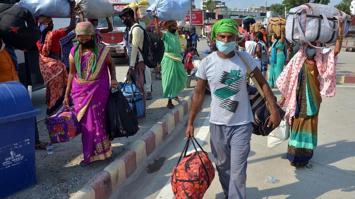 बिहारः जैसे-तैसे लौटे प्रवासियों ने फिर किया दूसरे प्रदेशों का रुख, काम और भोजन के अभाव ने किया पलायन को मजबूर