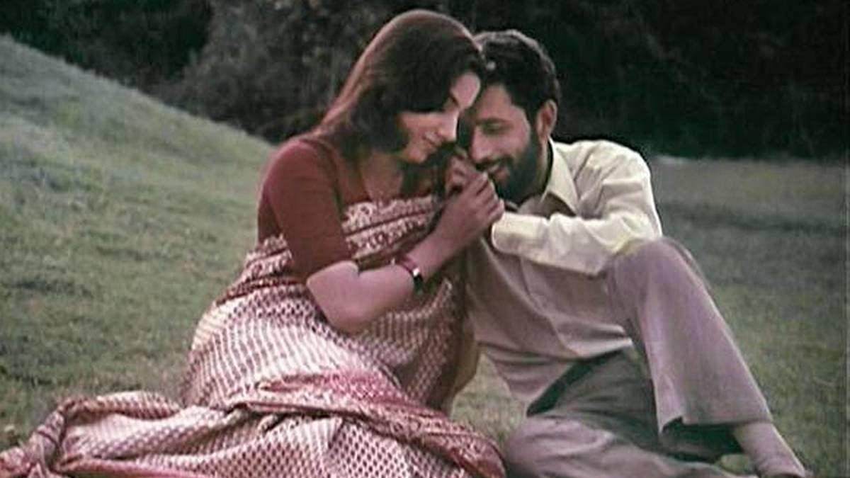 आंखों से परे 'देखने' की थीम है 'स्पर्श', नसीरुद्दीन और शबाना का बेजोड़ अभिनय फिल्म को बनाती है और मजबूत
