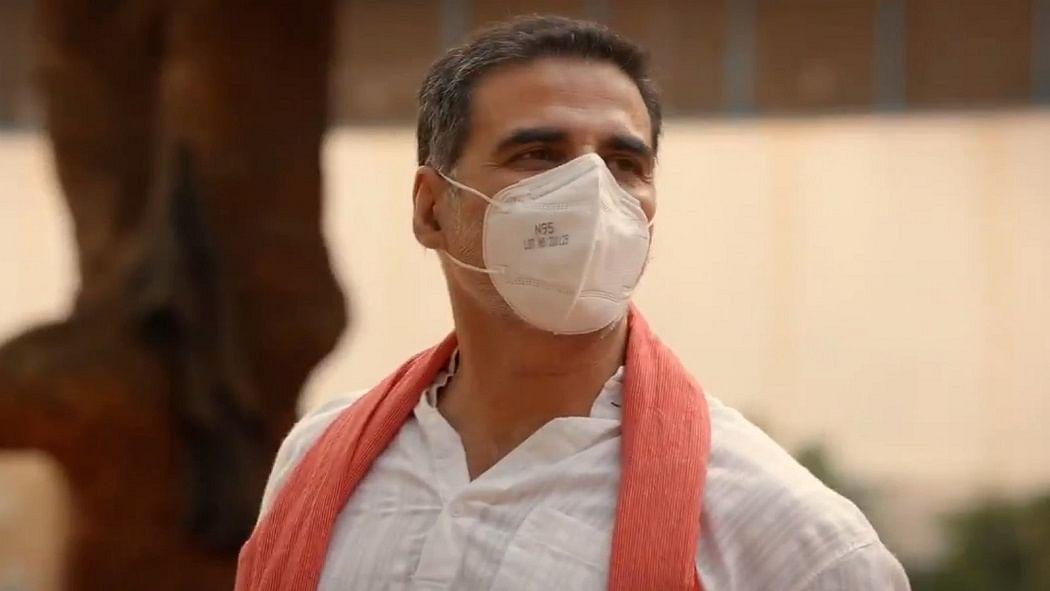 सिनेजीवन: मास्क पहन काम पर निकले अक्षय कुमार और 'बिग बी' ने साझा की पिता हरिवंश राय बच्चन की शानदार कविता