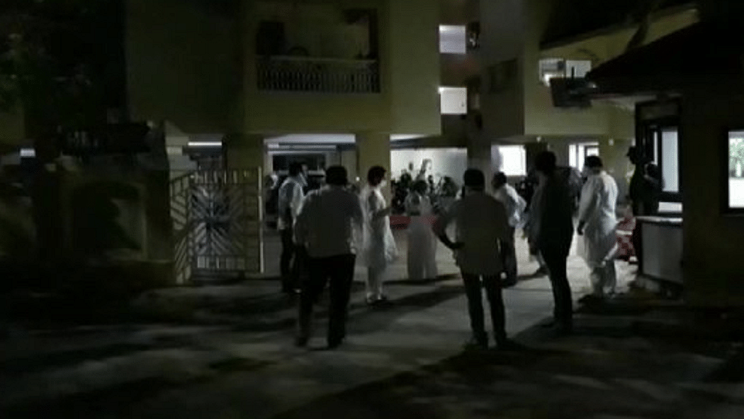 गुजरात और जम्मू-कश्मीर में महसूस किए गए भूकंप के तेज झटके, दहशत में घरों से बाहर निकले लोग