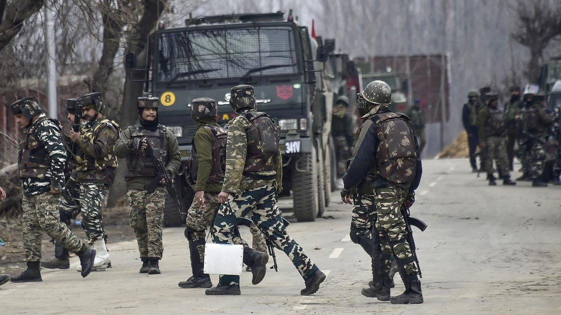 जम्मू-कश्मीर में आतंकियों के खिलाफ बड़ी कार्रवाई, बीते 24 घंटे में सुरक्षा बलों ने 8 आतंकियों को किया ढेर