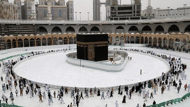 कोरोना ने लाखों मुसलमानों के काबा के दीदार का सपना तोड़ा, हज कमेटी ने रद्द की इस साल की हज यात्रा