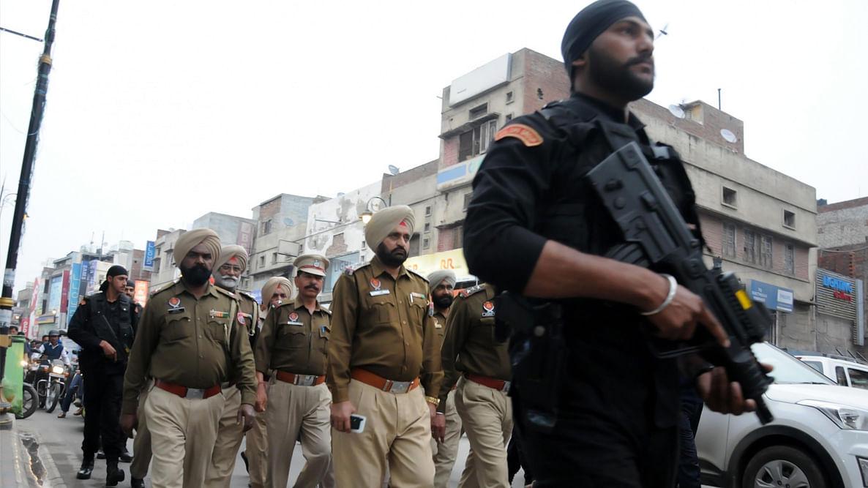 कश्मीर में आतंकवाद जारी रखने के लिए पंजाब को बनाया जा रहा अड्डा, पाकिस्तान के मंसूबों का डीजीपी ने किया खुलासा