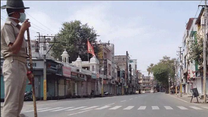 बड़ी खबर LIVE: कर्नाटक में सड़क पर कोरोना मरीज ने दम तोड़ा, 4 घंटे में भी नहीं पहुंची एंबुलेंस, जांच के आदेश