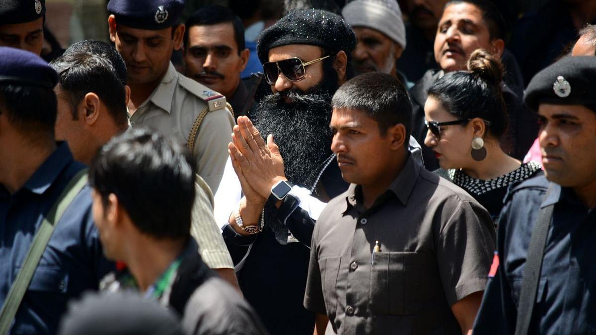 बेअदबी मामला: डेरा सच्चा सौदा से जुड़ रहे घटना के तार, पर क्यों राम रहीम से पूछताछ की इजाजत नहीं दे रही खट्टर सरकार?