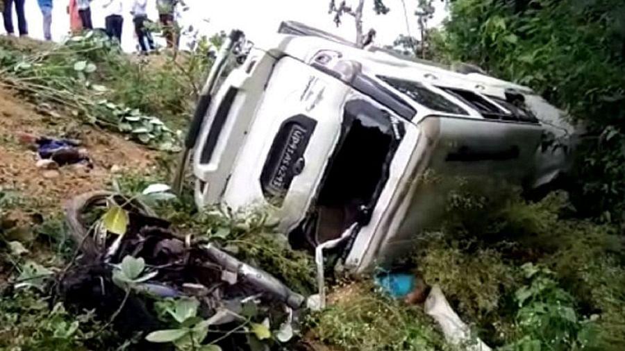 मध्य प्रदेश में भीषण सड़क हादसे में 8 की मौत, दो बाइक और स्कॉर्पियो टक्कर के बाद खायी में गिरी