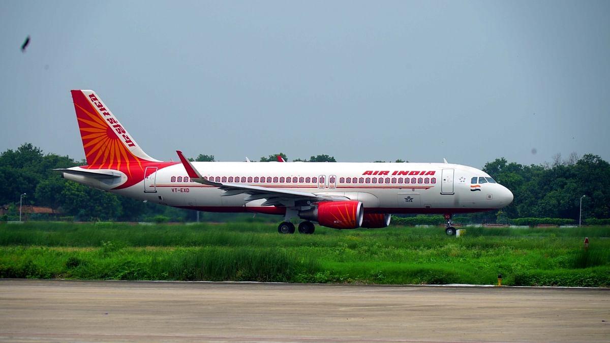 अर्थ जगत की 5 बड़ी खबरें: एयर इंडिया के पायलटों का शीर्ष अधिकारियों पर बड़ा आरोप और खपत घटने के बावजूद खाद्य तेल की महंगाई जारी