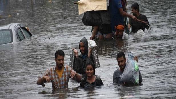 बिहार में बारिश के बाद नदियां उफान पर, कई गांवों में घुसा पानी, मौसम विभाग ने जारी किया ताजा अलर्ट