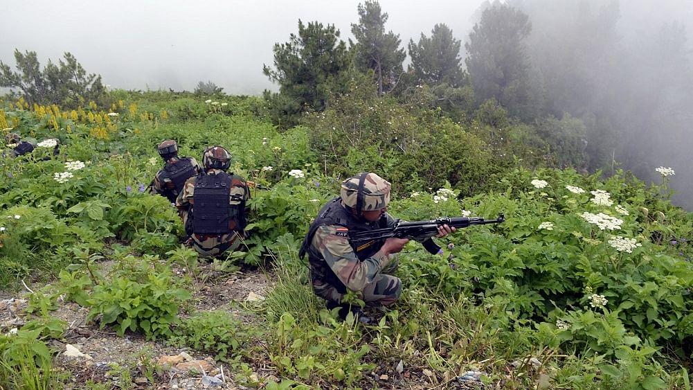 पाकिस्तान ने फिर किया एलओसी पर संघर्ष विराम  उल्लंघन, इस साल अब तक 2733 बार कर चुका हिमाकत