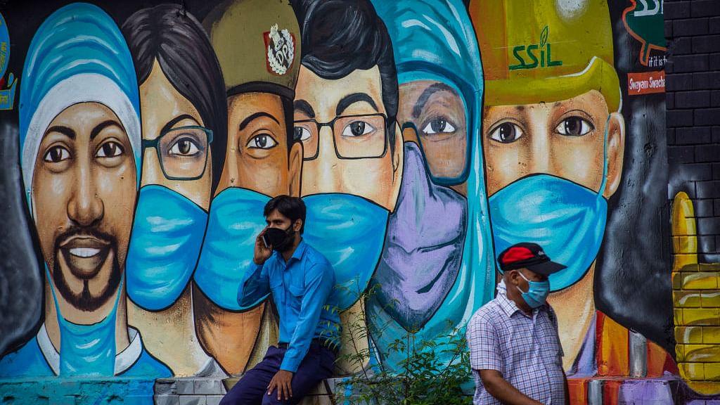 दिल्ली में 71 लाख लोगों के संक्रमित होने की आशंका, सीरो सर्वे से खुलासा, विशेषज्ञों के मुताबिक खतरा कहीं ज्यादा