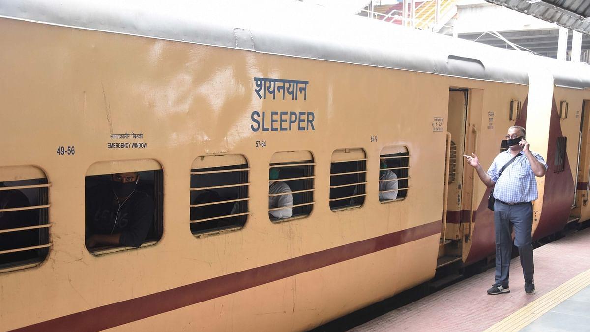 रेलवे को निजी संस्थाओं के हाथों में सौंपने की तैयारी? प्राइवेट कंपनियों से मिले रेल मंत्रालय के अधिकारी