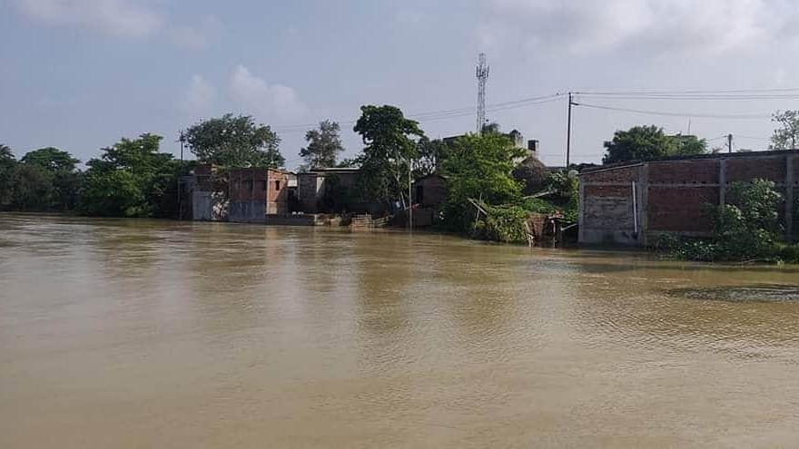 बिहार में बाढ़ से 12 जिलों में तबाही, करीब 38 लाख लोग प्रभावित