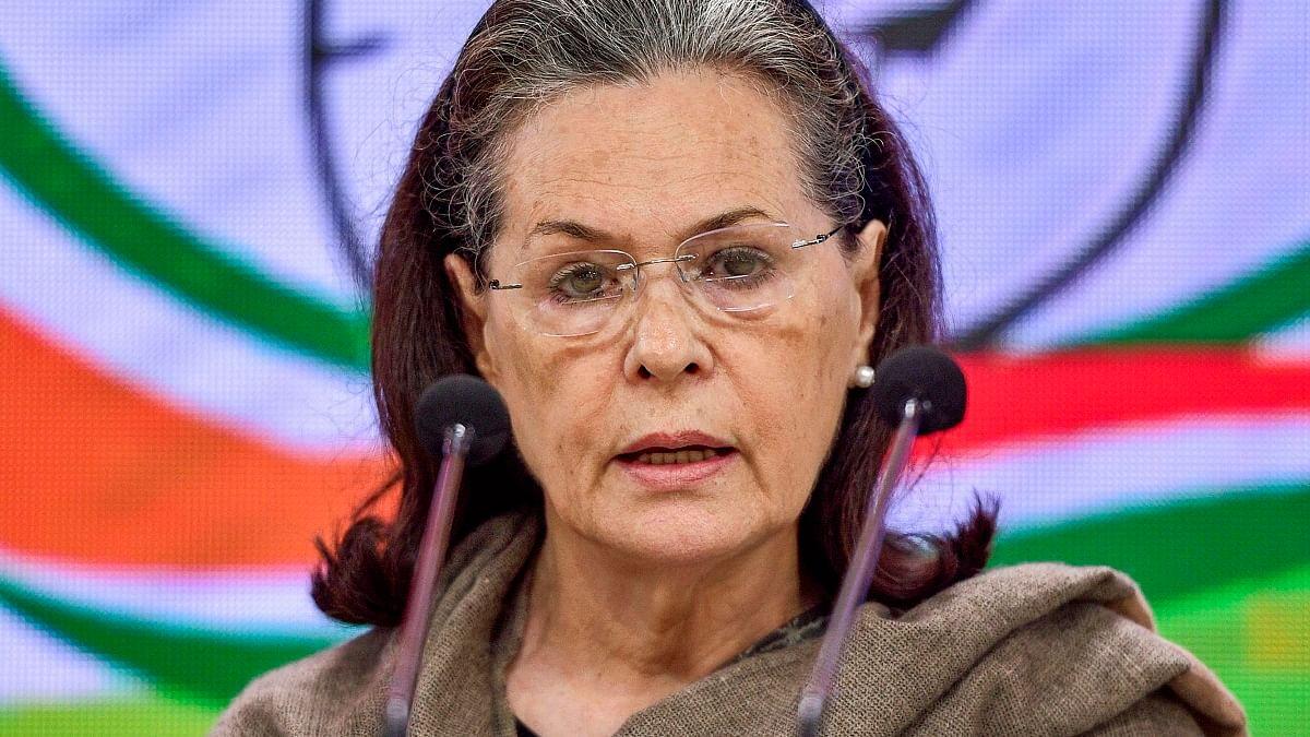 सोनिया गांधी का केंद्र पर हमला, कहा- संवैधानिक मूल्यों और परंपराओं के खिलाफ है मोदी सरकार