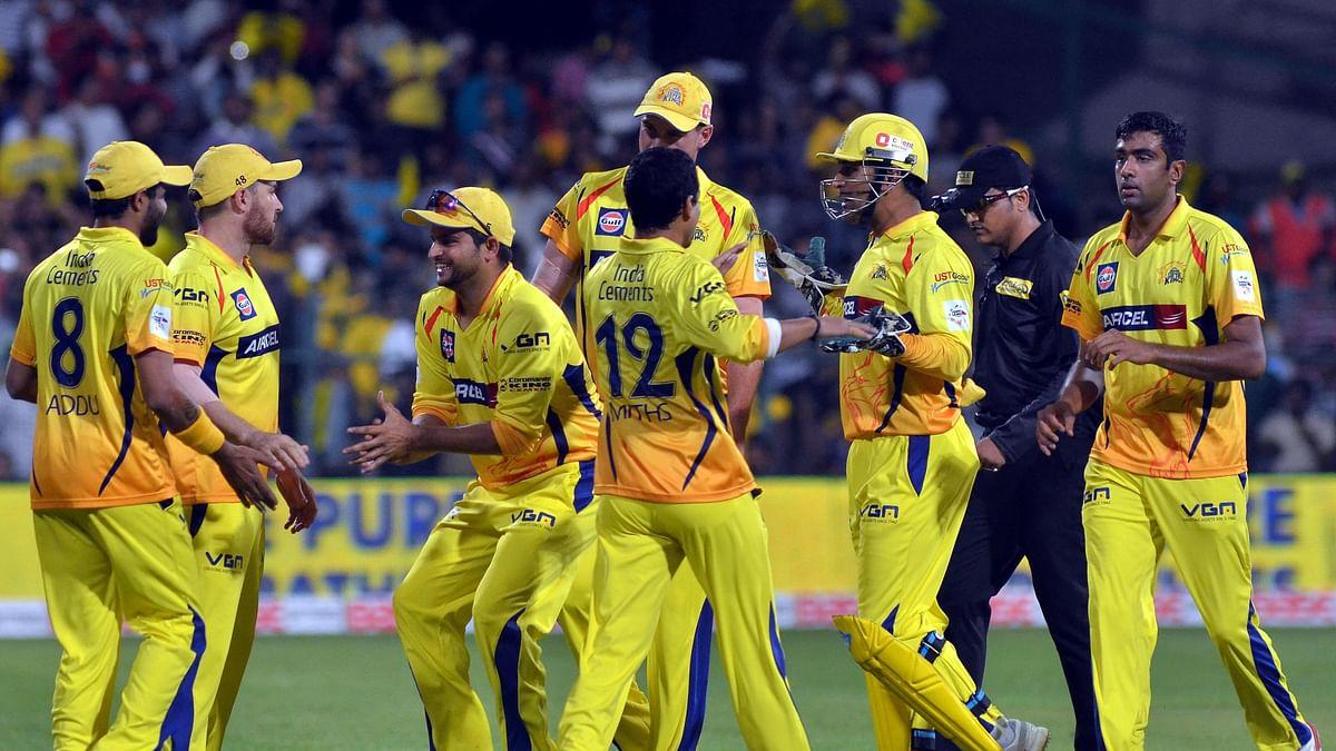 IPL पर कोरोना का साया, चेन्नई सुपर किंग्स के कई बड़े खिलाड़ी समेत 13 सदस्य COVID-19 पॉजिटिव, रैना वापस लौटे