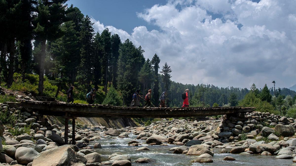 जम्मू-कश्मीर का विकास का दावा, लेकिन सत्ताधीश यह तो सोचें कि इकोलॉजी ही खत्म कर देंगे तो धरती के स्वर्ग में बचेगा क्या